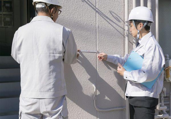 外壁のお手入れが必要な理由。業者へお願いすべき目安などもご説明!