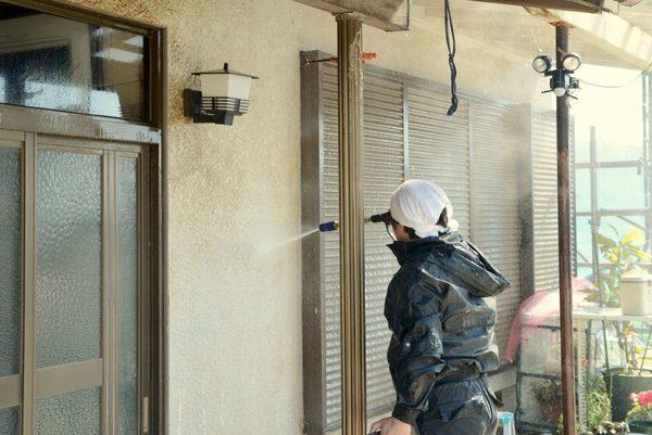 外壁の汚れに高圧洗浄は必要?高圧洗浄の必要性と注意点
