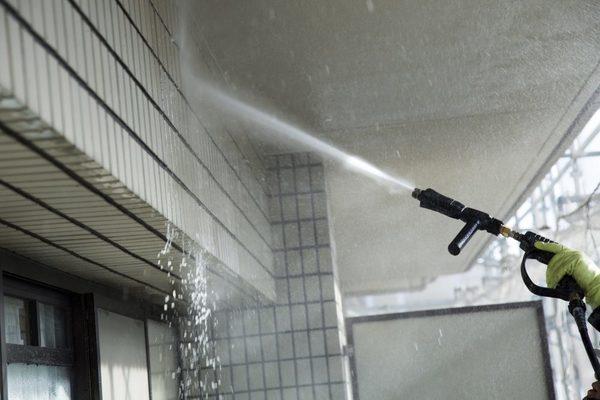外壁洗浄は機材で選ぶといっても過言ではない?機材が重要な理由